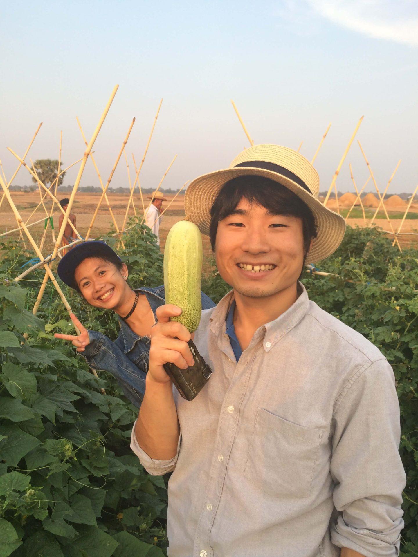 カンボジアの畑は遠くまで見通せる広い場所でした
